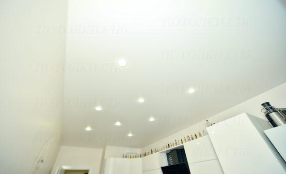 Белый матовый натяжной потолок. Кудрово
