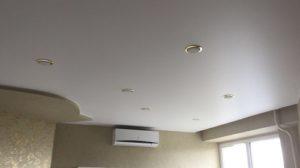 натяжной потолок с кондиционером