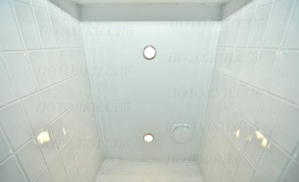 Просвещения белый натяжной потолок в санузле