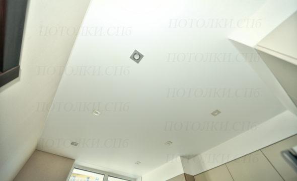 Просвещения белый натяжной потолок на кухне