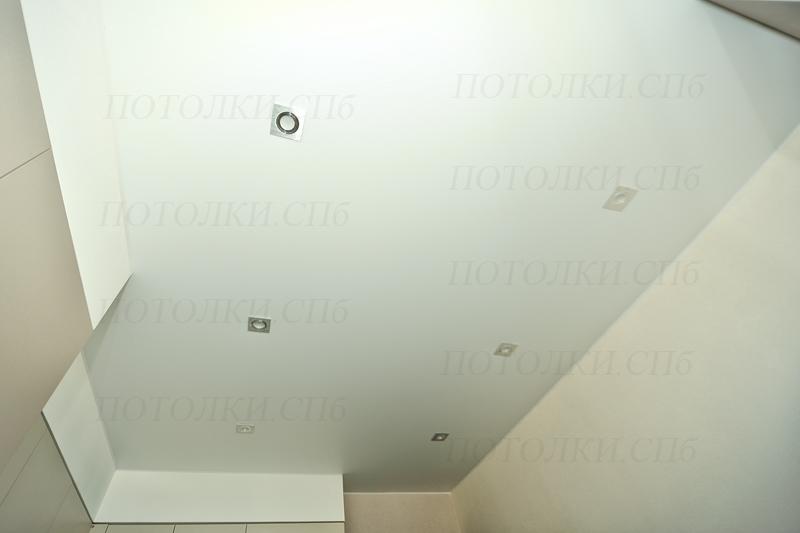 Просвещения белый натяжной потолок на кухне 2